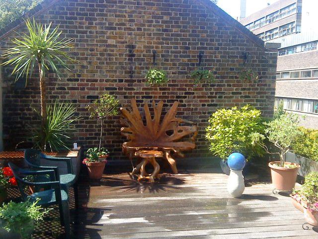 Teakrodsstol på tagterrasse - London